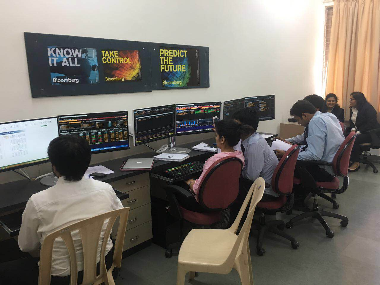 SIIB,Pune gets Bloomberg Terminals on campus